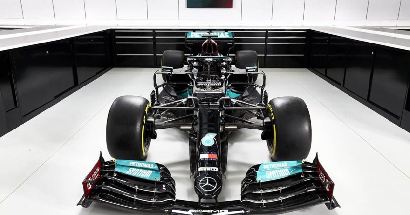 Mercedes new W12 F1 car unveiled: expecting to set a new record by becoming the eighth team to win two World Championships in a row