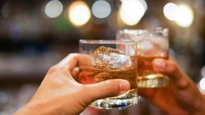 The Delhi government on Monday announced that the legal drinking age of liquor in Delhi has been reduced to 21 from 25